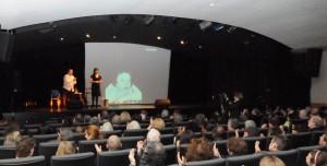 Hugues Vassal et Caroline Forestier lors de la journée Hommage à Edith Piaf organisée par l'Ordre de la Rose-Croix le 20 avril 2013 à Paris
